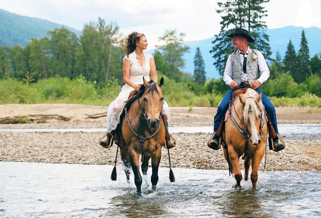 Horseback wedding in Clearwater